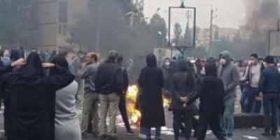 بسبب احتجاجات البنزين.. إيران تؤيد حكم الإعدام على 3 شباب
