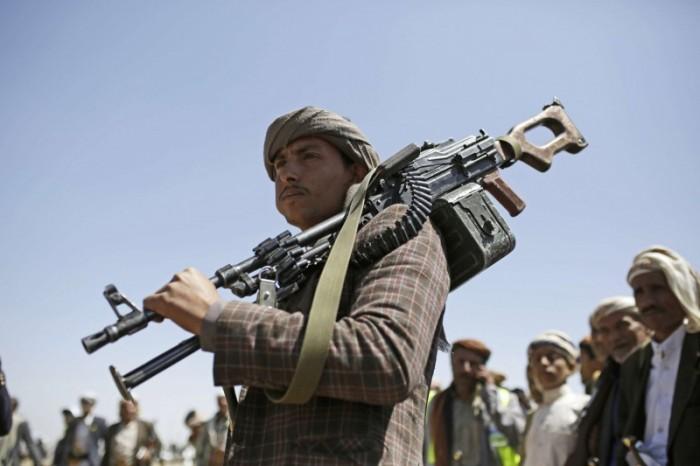 """سياسة الحوثي الخبيثة.. """"نيران الفوضى"""" التي تتطاير في فضاء إب"""