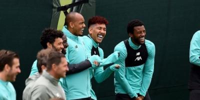 شاهد فرحة لاعبو ليفربول في التدريبات بعد التتويج باللقب