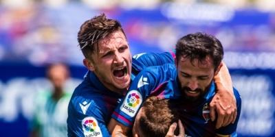 ليفانتي يهزم بيتيس برباعية في الدوري الإسباني