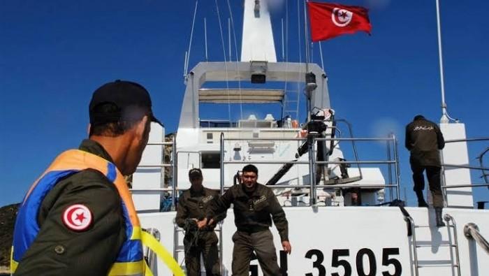 متجهين إلى إيطاليا.. خفر السواحل التونسي يوقف  23 مهاجرًا غير شرعياً