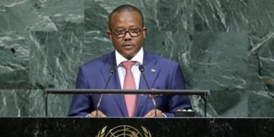 رئيس غينيا يقيل 5 وزراء منهم وزيرا الدفاع والداخلية