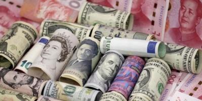 العملة الأمريكية تشهد ارتفاعاً أمام سلة العملات الرئيسية
