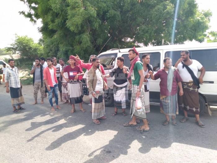 نقابة النقل في خنفر تستأنف إضرابها (صور)