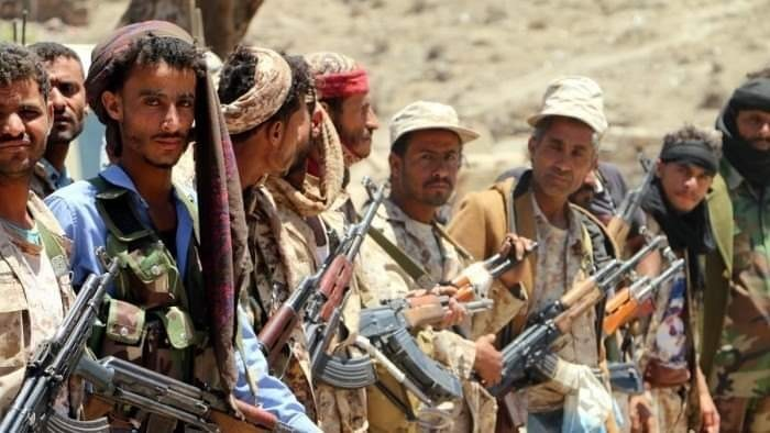 """الحوثيون في الجبهات.. قتلٌ """"بارز"""" وتجنيدٌ غاشم"""