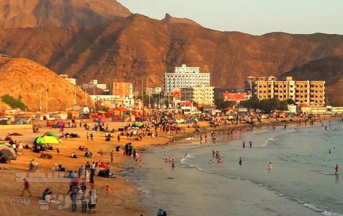 تحذيرات من ممارسة السباحة بشواطئ العاصمة عدن