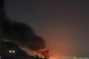 غارات ليلية عنيفة وانفجارات تهز صنعاء – تفاصيل