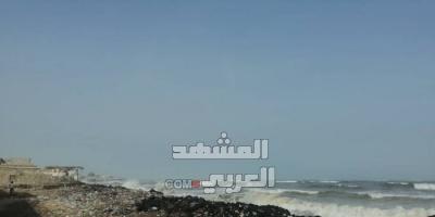 في ظاهرة سنوية.. ارتفاع منسوب مياه البحر في شقرة