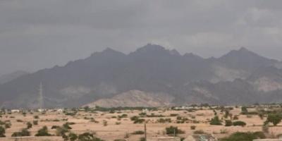المدفعية الحوثية تهاجم المدنيين شرق حيس