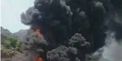 حريق هائل في محطة محروقات بتعز