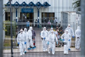 ألمانيا تُسجل 7 وفيات و422 إصابة جديدة بفيروس كورونا