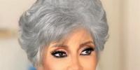 سوسن بدر في صورة تبرز تجاعيد وجهها :قررت أحافظ على شكلي من غير ما أغيره