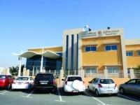 دبي تُعلن 52 إجراءً احترازيًا لإعادة فتح المراكز الصحية