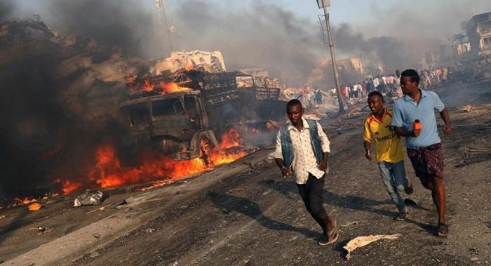 انتحاري يصيب أكثر من خمسة أشخاص بتفجير في العاصمة الصومالية