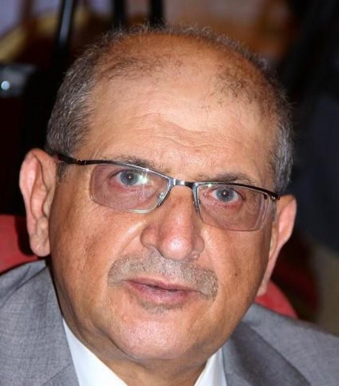 وزير في حكومة الحوثي يعتكف ويشكو: سلبوا كل صلاحياتي