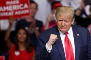 معركة الانتخابات.. ترامب يلتقي بأنصاره في الهواء الطلق