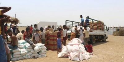 """مساعدات من """"هلال الإمارات"""" للنازحين في الخوخة"""