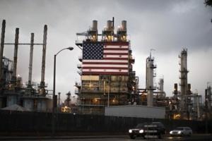ارتفاع مخزونات النفط في أمريكا بنحو 2.048 مليون برميل