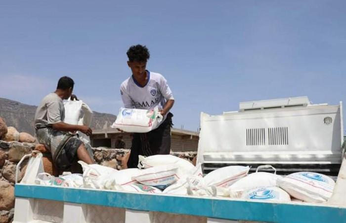 437 أسرة بحديبو تتلقى مساعدات إماراتية (صور)