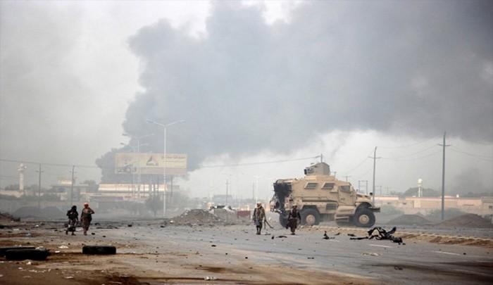 """الحوثيون في الحديدة.. انكسارٌ عسكري واستهدافٌ لـ""""الحلقة الأضعف"""""""