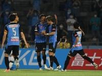 كاواساكي فرونتال يهزم كاشيوا ريسول وينتزع صدارة الدوري الياباني مؤقتا