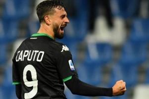 كابوتو يساند زميله راسبادوري بعد تسجيل أول هدف له في الدوري الإيطالي