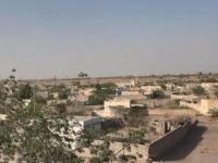 لتهجيرهم.. القذائف الحوثية تروع المواطنين شرق حيس