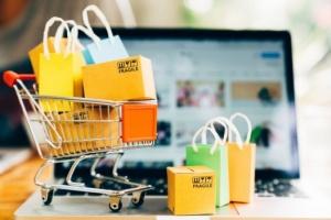تنفيذي أبوظبي يصدر قرارًا هامًا لتعزيز الشراء الإلكتروني للمواطنين