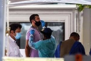 فلوريدا تُسجل 15000 إصابة جديدة بكورونا خلال 24 ساعة