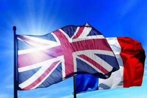 اتفاق بريطاني فرنسي حول تبادل المعلومات بشأن مهربي المهاجرين