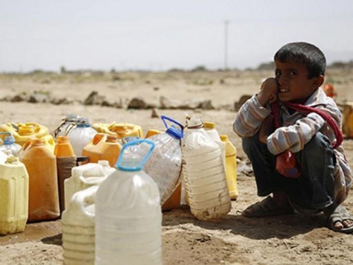الحوثي ونقص المياه.. حربٌ وقودها الوجع