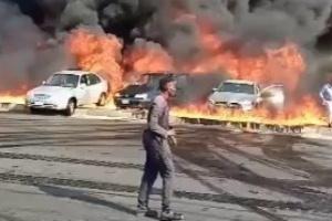 الصحة المصرية تعلن إصابة ١٢ مواطنًا إثر حادث انقلاب سيارة مواد بترولية
