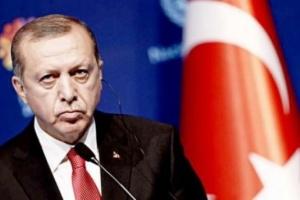 شعبية أردوغان تتآكل.. ومغردون يشعلون تويتر بانتهاكاته