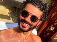 خالد النبوي يشارك جمهوره صور عطلته الصيفية