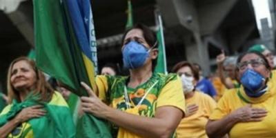 البرازيل.. إجمالي إصابات كورونا يصل إلى 2.07 مليون