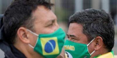 إجمالي إصابات كورونا بالبرازيل ترتفع إلى 2.1 مليون حالة