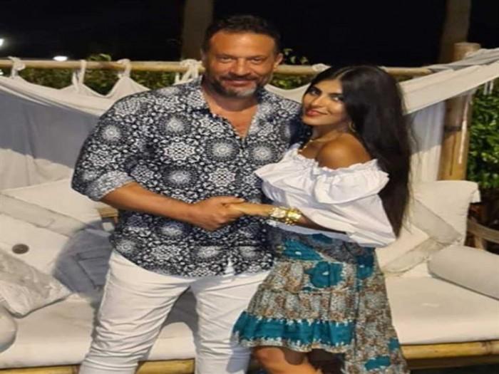 ماجد المصري يحتفل بعيد زواجه