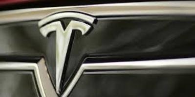 تسلا تستهدف بيع أكثر من 112 ألف سيارة في الربع الثالث من العام الجاري