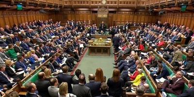 """رئيس العموم البريطاني يستعين بـ""""قط"""" لمطاردة فئران البرلمان"""