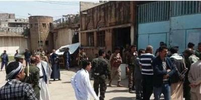 بعد قرار تعسفي.. تصاعد احتجاجات نزلاء سجن إب المركزي