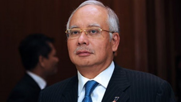السجن لرئيس وزراء ماليزيا السابق بتهم فساد