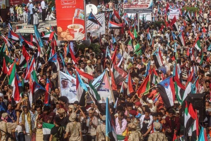 دعم الإمارات للجنوب.. مساعدات تُجهض مؤامرة الشرعية