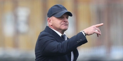 فيورنتينا يبقى على مدربه ياكيني في الموسم المقبل