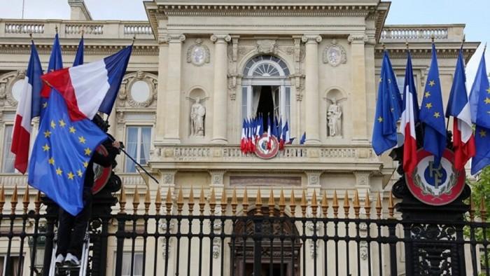 الخارجية الفرنسية تتطلع لتنفيذ اتفاق الرياض سريعًا