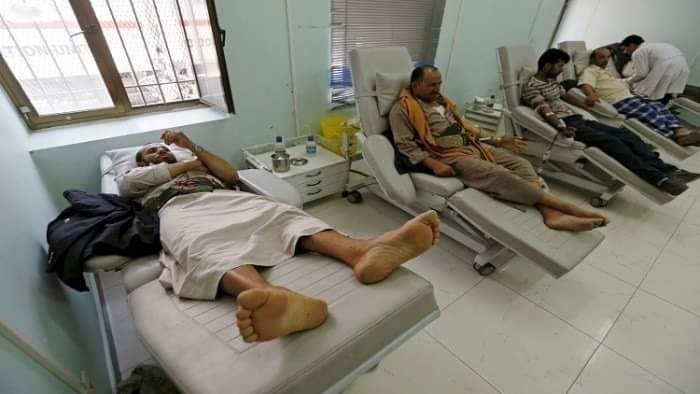 آلام المرضى تطفئ فرحة العيد باليمن