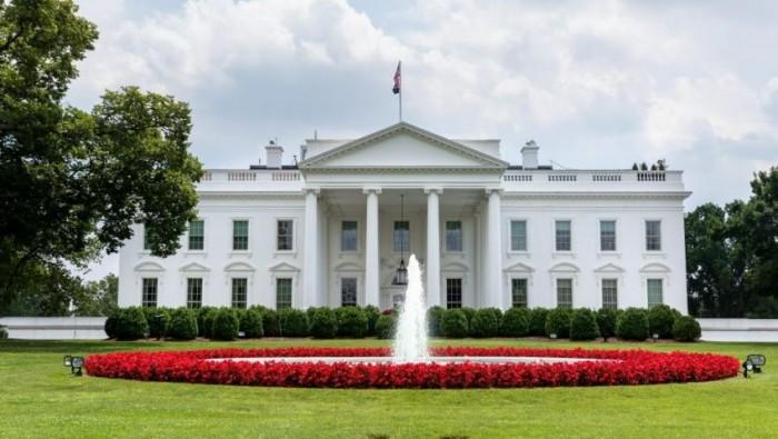 البيت الأبيض: أمريكا تمر بمرحلة جديدة من تفشي فيروس كورونا