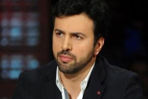 تيم حسن يقدم واجب العزاء في وفاة والد باسل خياط
