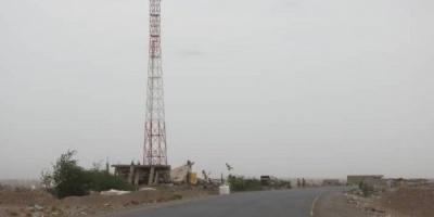 بأسلحة رشاشة.. مليشيا الحوثي تشن هجوما على الفازة