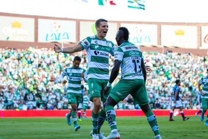 سانتوس لاجونا يهزم جوادا لاخارا بثنائية في الدوري المكسيكي