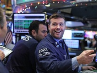الأسهم الأمريكية ترتفع مدعومة بالقطاع التكنولوجي